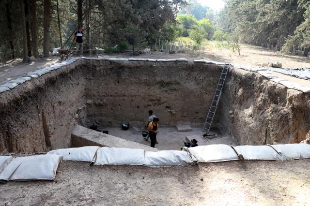 Tarihe ışık tutan Aççana Höyük'te 4 bin yıl öncesine ait kalıntılar gün yüzüne çıkarılıyor